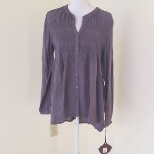 NWT! Knox Rose Grey Size XL Button Down top